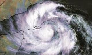 خبير في الأرصاد يوضح وضع السعودية من إعصار مكونو