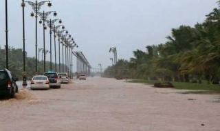 الأرصاد الهندية تحذر من إعصار جديد سيضرب اليمن وعمان والإمارات والربع الخالي