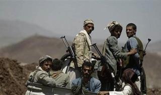 مليشيا الحوثي تعتدي بوحشية على عامل محل تجاري وتختطف آخر بمدينة إب