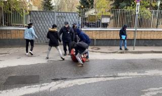 شاهد..  الشرطة الروسية تعتدي على طلبة اليمن في موسكو