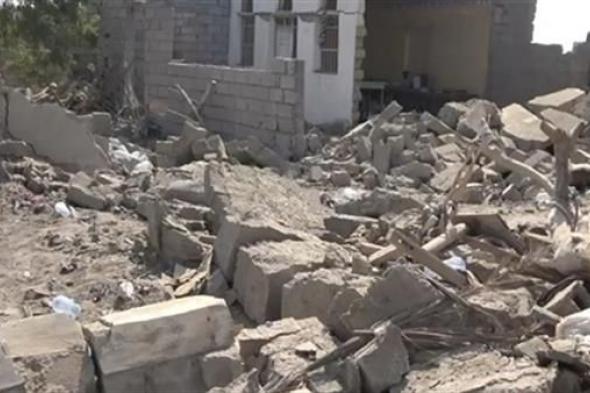 إصابة نساء وأطفال وتدمير 5 منازل بقصف حوثي استهدف إحدى قرى الحديدة