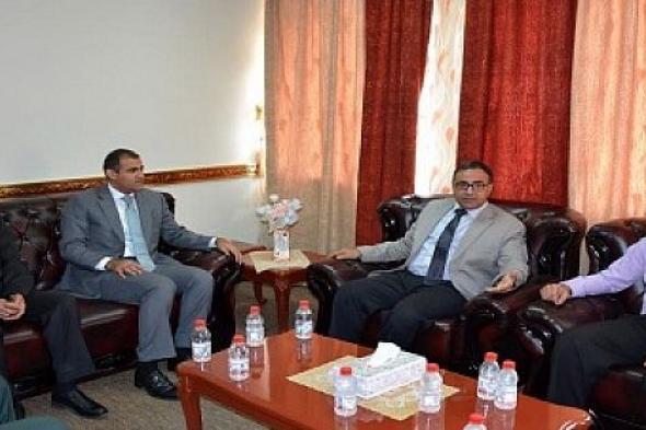 رئيس جامعة عدن يستقبل نائب وزير الخارجية ومستشار الوزير للإطلاع على برنامج الشهادة الالكترونية المؤمنة الجديدة وتطور المستوى التعليمي في الجامعة