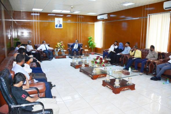 رئيس جامعة عدن يستقبل رئيس جامعة حضرموت ويناقش العديد من القضايا الأكاديمية