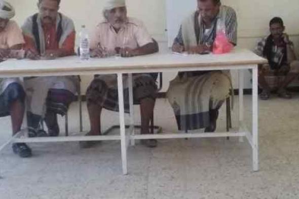 مدير مكتب الصحة جيشان يطرح معوقات عمل مكتبه على طاولة اجتماع السلطة المحلية والمكاتب التنفيذية
