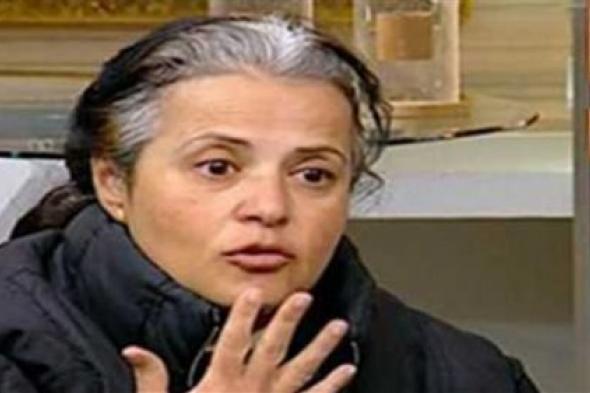 """رواد السوشيال ميديا إلى الناشطة المصرية منى مينا: """"ليه مروحتيش أي مستشفى عزل"""""""