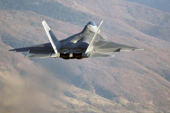 طيران التحالف يشن غارات جوية مكثفة على محافظتي مأرب والجوف