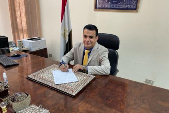 الدكتور أسامة إمام يعتمدنتيجة المعلوماتية الطبية بحاسبات جامعة حلوان المصرية